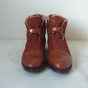HOST PICK!✨ BOTTEGA VENETA shearling ankle boots